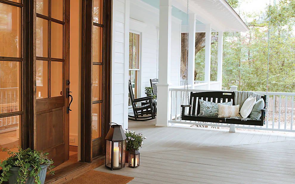 Classic And Charming, Our Southern Collection Of Transcend Railing Requires  Minimal Upkeep And Looks Great