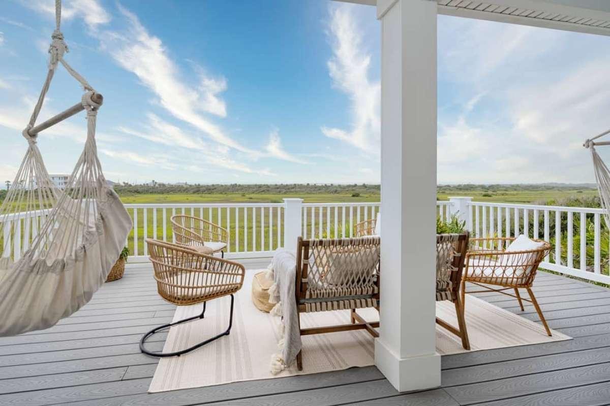 jess-davis-carcaba-road-back-porch-deck-design-trex-select-pebble-grey