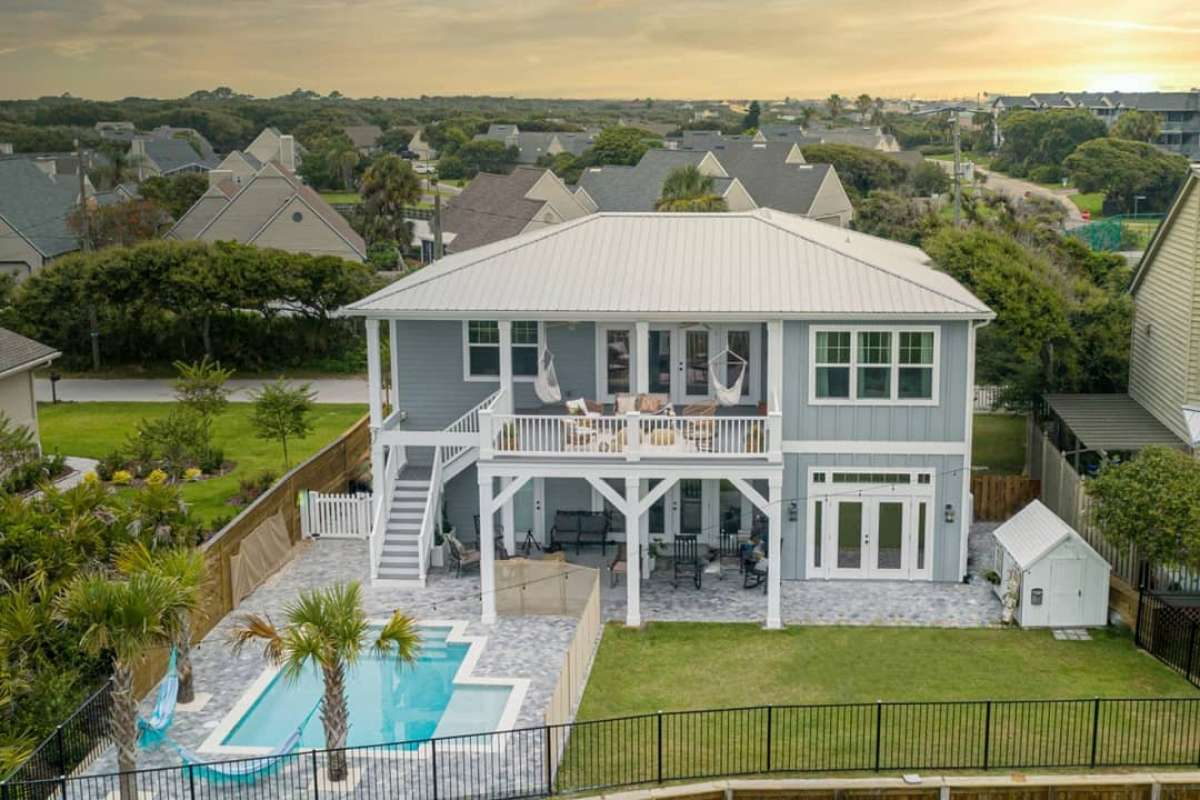 jess-davis-carcaba-road-backyard-pool-deck-trex-select-decking