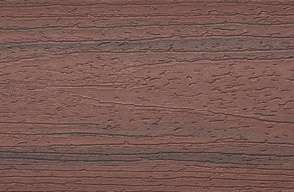 Prov av Trex Enhance-fasad i träkomposit i Sunset Cove röd