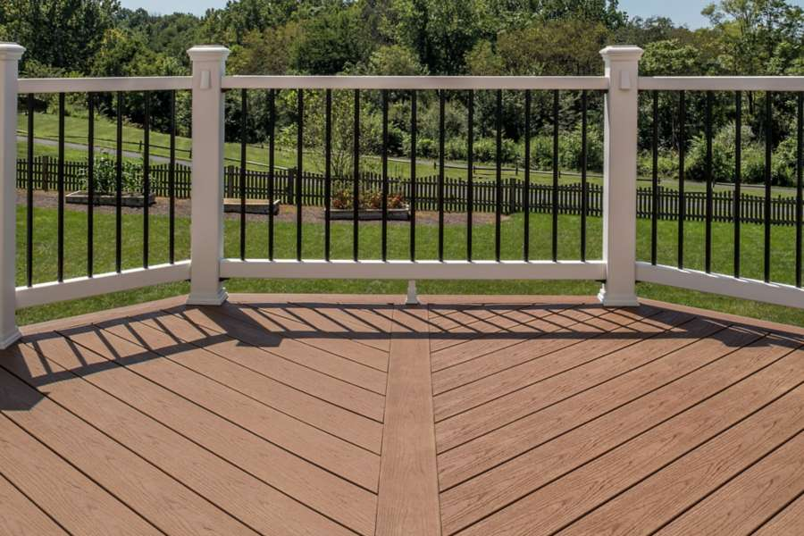 trex enhance basics saddle decking
